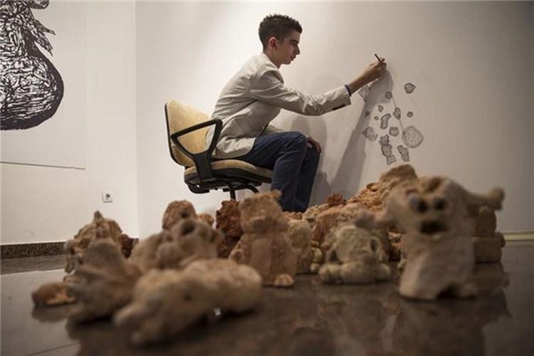 Otizmli Remzi Yılmaz'ın yeteneği az kişide bulunan türden; çizimlerinin hayat verdiği tasarımlar herkesin ilgisini çekiyor.