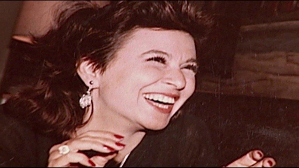 أسرار «السندريلا» تخرج لأول مرة.. هل تزوجت سعاد حسني من مولف كبير في شقة «8 شارع طرابلس» آواخر أيامها؟