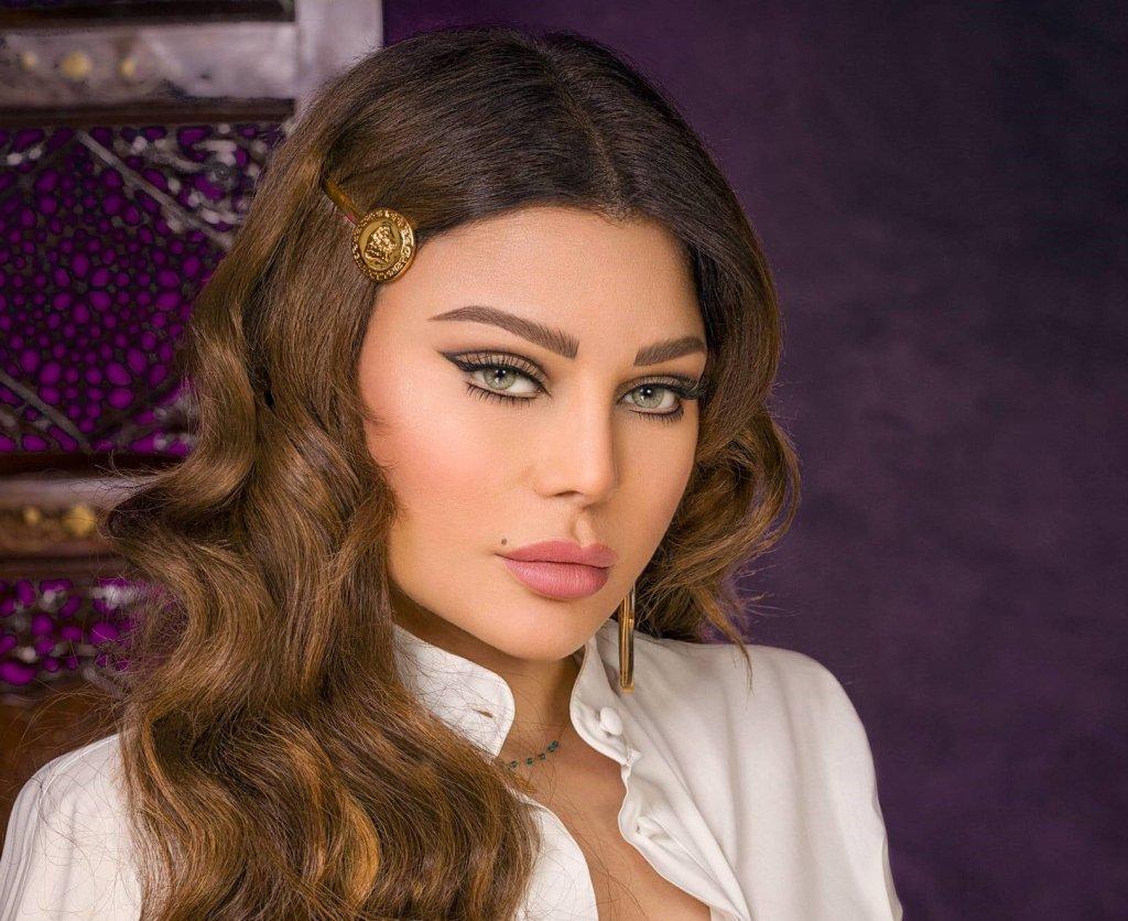 هيفاء وهبي تستعرض حجم خسائر منزلها بسبب انفجار بيروت .. وتطلب الدعاء لمديرة منزلها
