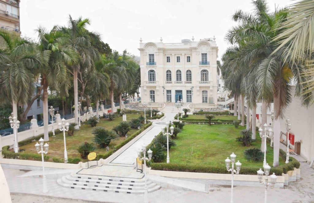 «وزيرة الثقافة»:  افتتاح متحف محمود خليل وحرمه ابريل المقبل