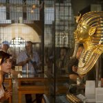 «حواس» يعلن عن اكتشافات بـ «سقارة»  ستعيد كتابة تاريخ المنطقة