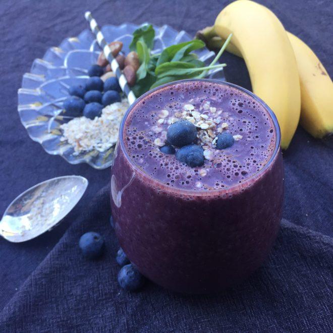 Raw frukostsmoothie med blåbär havre