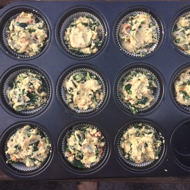 matmuffins med spenat, fetaost, timjan och soltorkade tomater glutenfria, paleo, Lchf