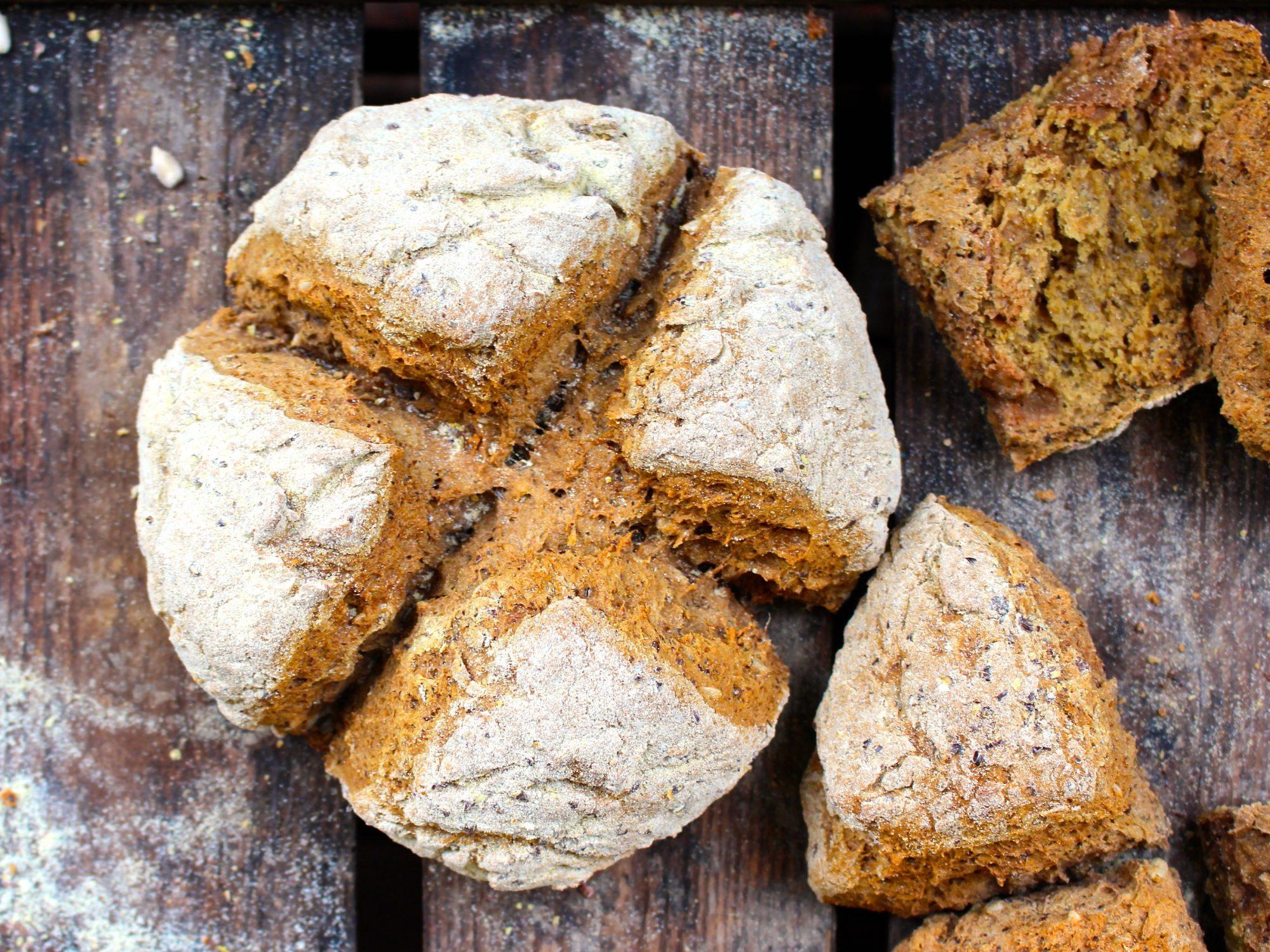 baka bröd med teffmjöl