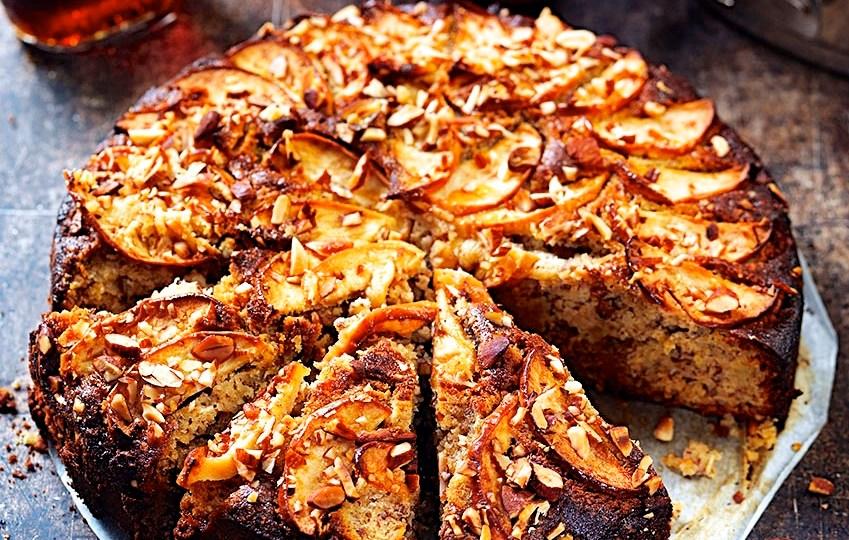 Äppelkaka med lönnsirap - glutenfri, naturligt glutenfri från boken https://www.adlibris.com/se/bok/laga-glutenfritt-pasta-pizza-pajer-piroger-andra-klassiker-9789155263034