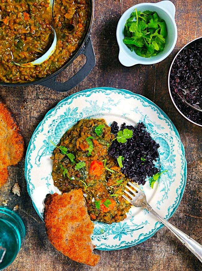 MIN INDISKA LINSGRYTA med spenat och sötpotatis + durranaan