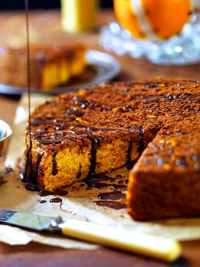 Apelsin och mandelkaka med saffran och choklad (glutenfri, mjölkfri)