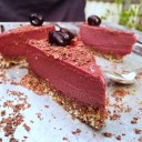 Raw körsbärs och lakritscheesecake (vegan)2