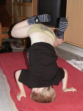 Jonathan til gymnastik