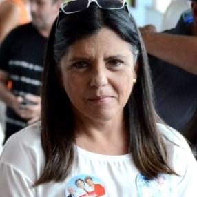 5out2014---a-governadora-do-estado-do-maranhao-roseana-sarney-pmdb-chegou-para-votar-por-volta-das-13h-ela-nao-falou-com-jornalistas-apenas-cumprimentou-eleitores-em-meio-a-sorrisos-e-1412527815568_300x300