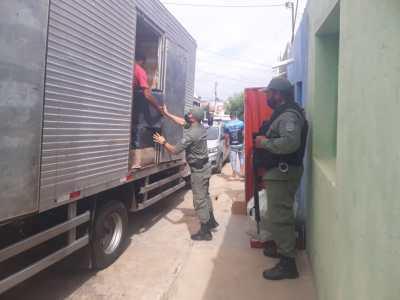 Afogados: Polícia Militar apreende mais de 2 milhões de cigarros  contrabandeados : Nill Junior