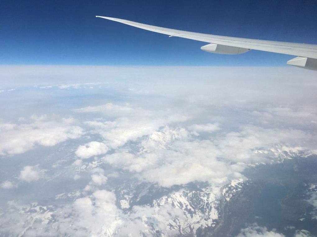 avion pour la France créatrice Nils & Emi