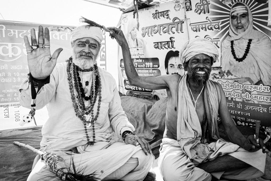 Bekiffte Sadhus am Kumbh Mela