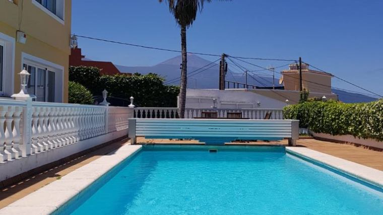 Opportunity!!!  Extreme price reduction for quick sale!! Huge villa in Santa Ursula from 595.000 Euro to 565.000 Euro.