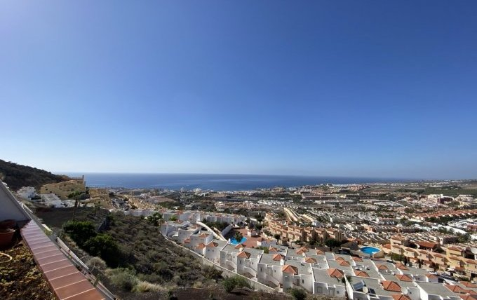 Top floor 2 bedroom apartment located in the popular complex of Sunset in Torviscas Alto