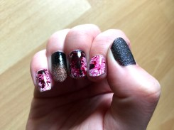 halloween-nails_bloody-glamour