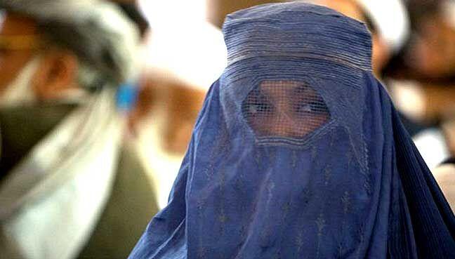 سبک پوششی را که گروه طالبان برای زنان افغانستان توصیه میکرد، با هیچ یک از فرهنگهای بومی شهری و روستایی کشور سنخیت نداشت.