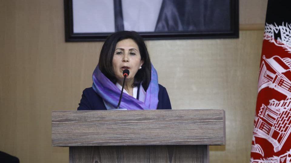 داکتر عالمه با تأکید بر اهمیت نقش زنان در روند صلح به ویژه زنان خبرنگار، گفت که زنان خبرنگار «باید صدای رسای روند صلح» باشند.