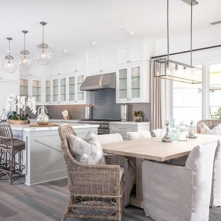 20 Beautiful Examples of Farmhouse Kitchen Design
