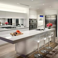 Kitchen Mirrors Metal Island 20 Beautiful Kitchens Incorporating Are One Of The Most Versatile Decor Items You Can Use And They Add Beauty Elegance Many Other Decorating Benefits To Any Room Including In
