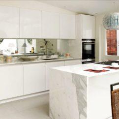 Kitchen Mirrors Quartz Countertops 20 Beautiful Kitchens Incorporating Image Via Www Freshome Com