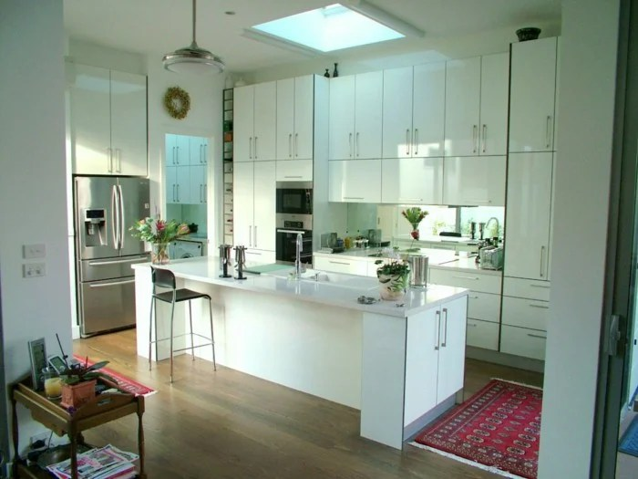 kitchen mirrors ebay faucets 20 beautiful kitchens incorporating image via www humideas com