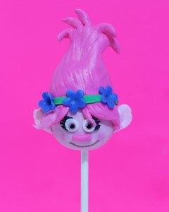 princess-poppy-trolls-cake-pops-web