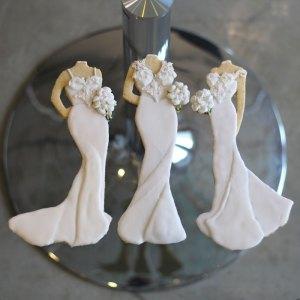 luxury-elegant-wedding-bridal-bridesmaid-cookies-nina-bakes-cakes-web