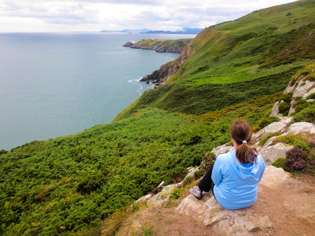 Day Trip from Dublin to Howth Cliffwalk