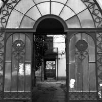 Porţi de poveste din Bucureşti