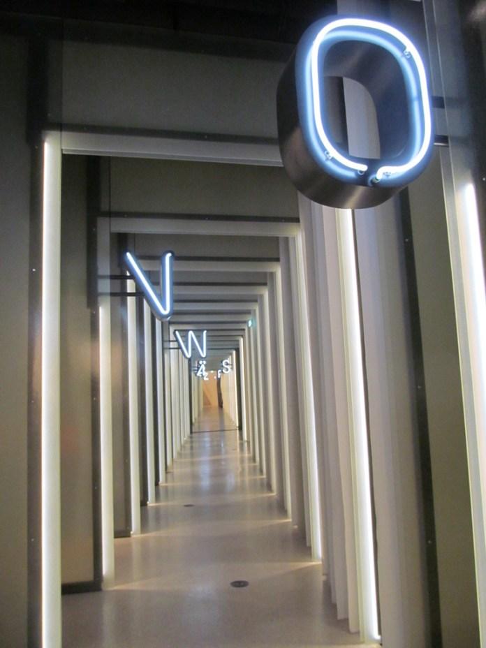 Grimm Welt hallway