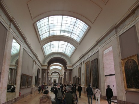 2016: Visitors at the Louvre