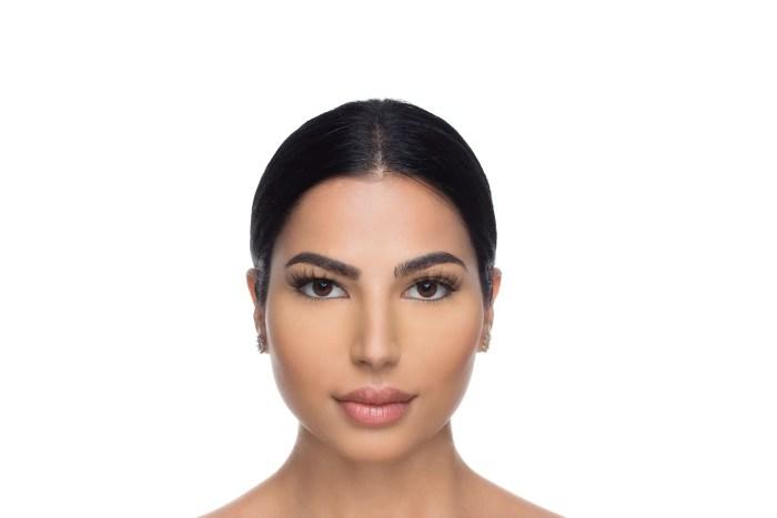Nina Mink Lashes, close up of ladies face wearing false eyelashes