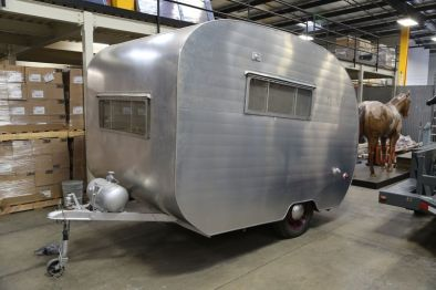 Ok, this is my current favorite, I love the shape and finish of this 1952 Viking. It's ridiculously small inside but I'd make it work for it's outside sex appeal. 1 day left, and it's auction price is $2,800. I'll be sad to pass on this one.