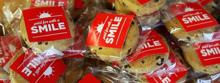 Pay-a-cookie-with-a-smile-21-1024x576
