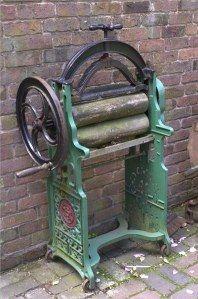 old-laundry-mangle