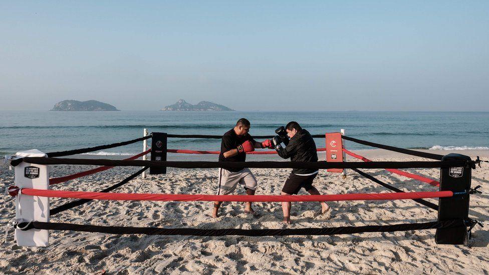 A Rio de Janeiro ci si prepara alle olimpiadi...