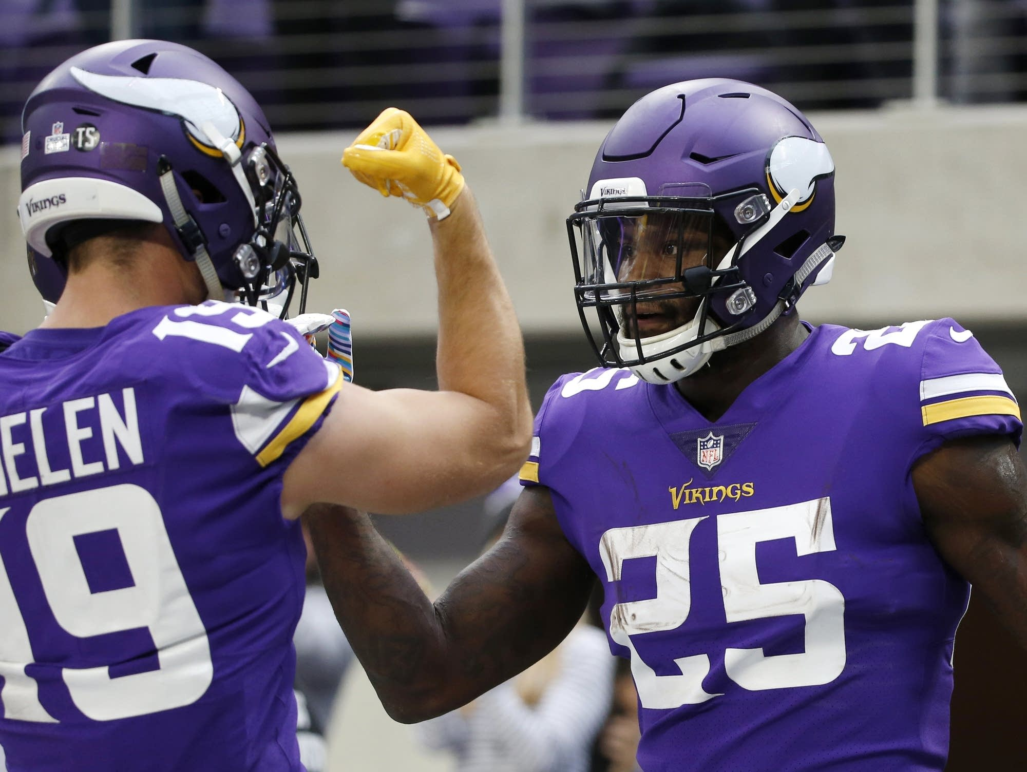 NFC North Roundup – Overtime in Miami, Vikings Dominant, Shoot-Out in Wisconsin