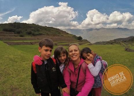 Tipon em Cusco com crianças