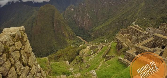 Ruinas Incas de Machu Picchu com crianças