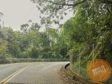 Estrada Paray Cunha com crianças
