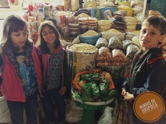Mercado_San_Pedro_com_crianças