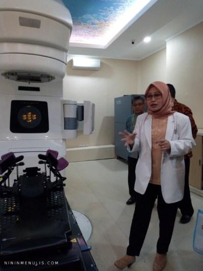 radioterapi rs kanker dharmais