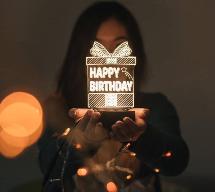 kado ulang tahun