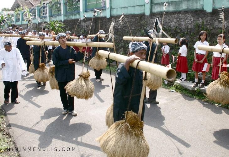 hal masyarakat adat di indonesia