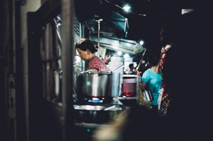 フィリピン人女性
