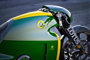 lotusc-011195v-twinsuperbike-24