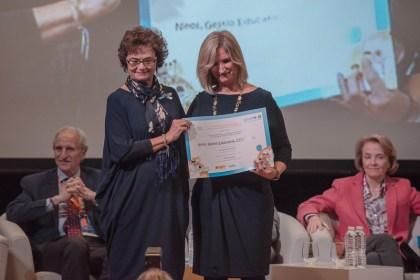 Julia Gómez, directora de Ninos rebrent el premi.