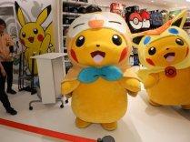 pokecen_tohoku_pikachu_mascots_photo_2