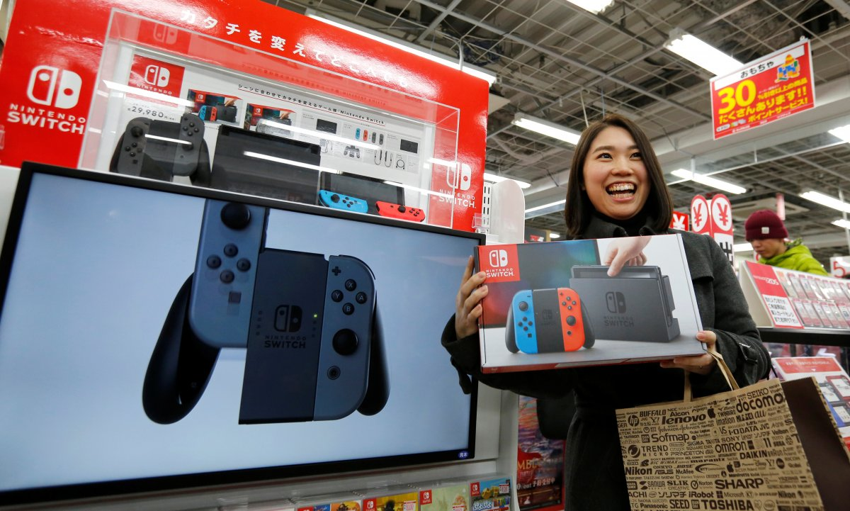 Japan: Nintendo Switch Sales Outpacing PS4 By 2 to 1